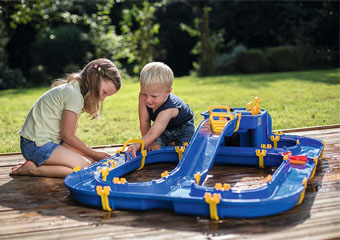 10 of the Best Kids Water Play Tables